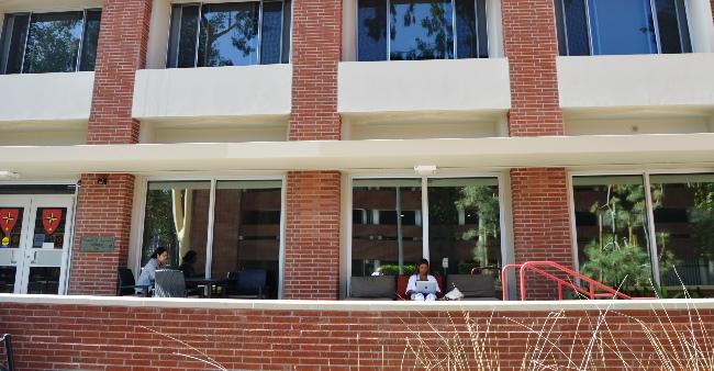 DMT Exterior w student 08x1 1