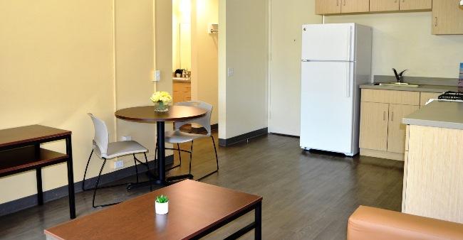 PKS 1B2PLivingroom Kitchen 07x1 1