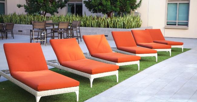 UVN Lounge chairs 20 x1