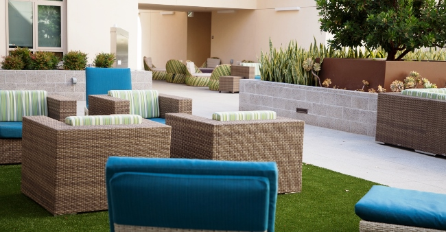 UVS Courtyard 09 x1